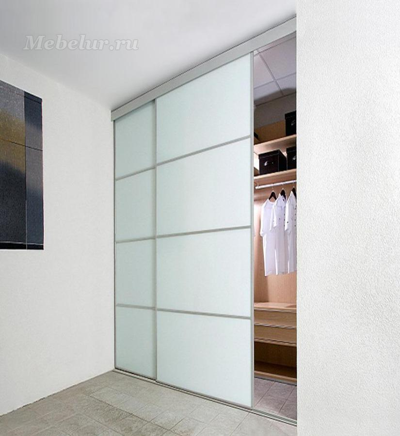 Купить встроенный с белыми дверями - шкаф купе.